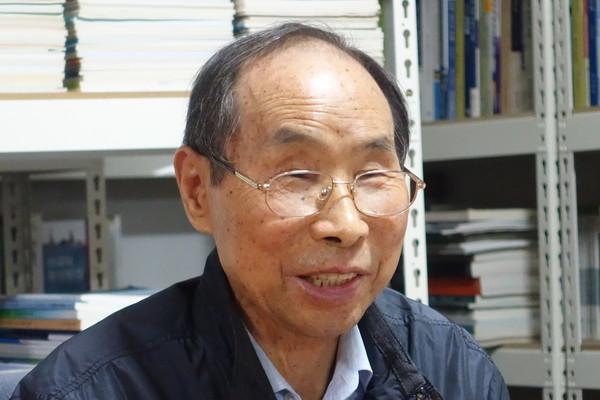 권오헌 명예회장은 '새 용어 제조기'답게 이번 인터뷰에서 '국가보안법 체계'라는 새로운 용어를 소개했다. [사진-통일뉴스 이승현 기자]
